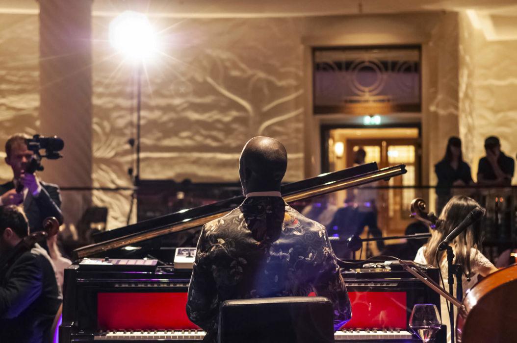 Okiem Classic Pianist in London